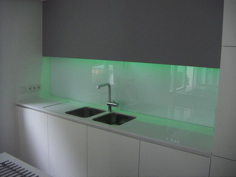 Glashandel Larochette - spatwand in glas